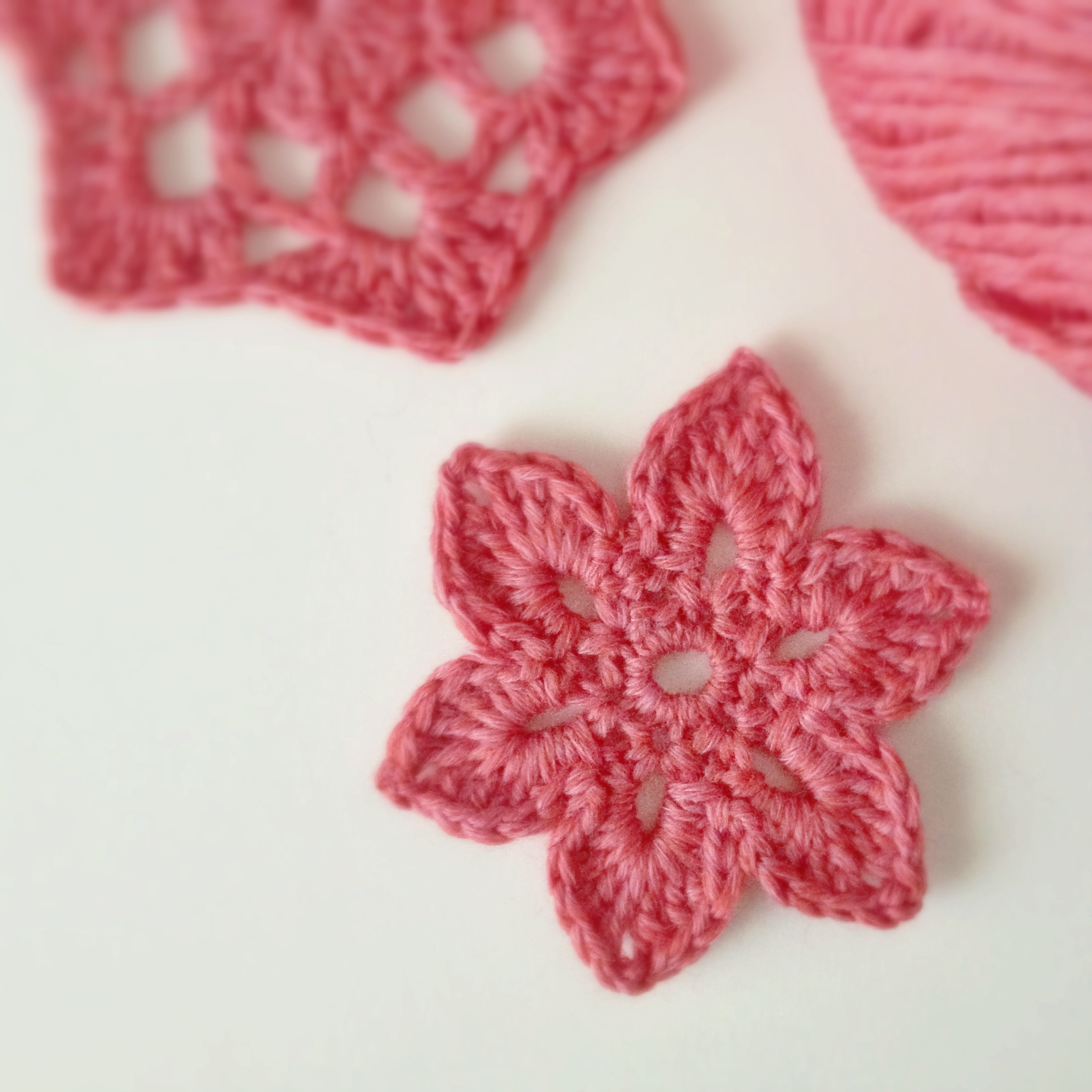 Tiny Crochet Flower Motif Home