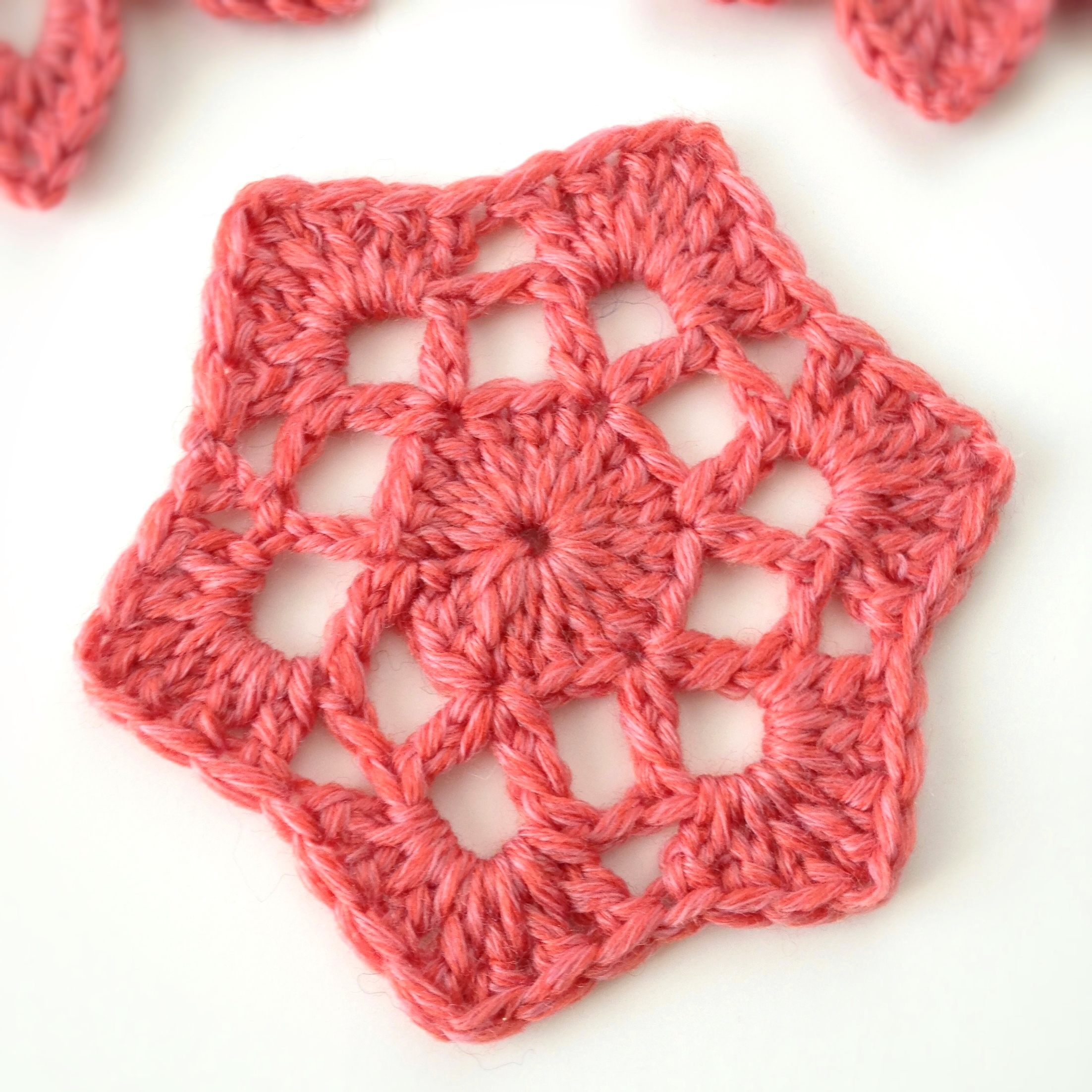 Crocheting How To : Crochet motif #53 from ?Beyond the Square Crochet Motifs?